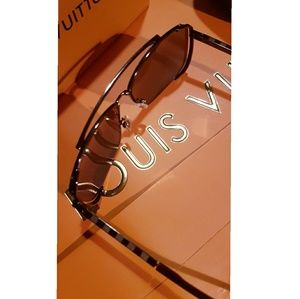 Accessories - Louis Vuitton sunglasses